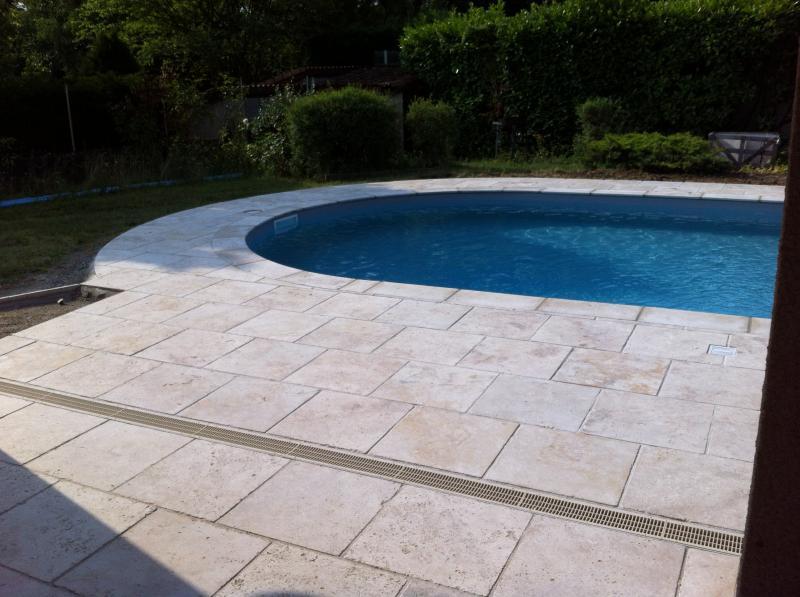 R alisation pisciniste dr me photo piscine mgp piscines for Piscine en travertin